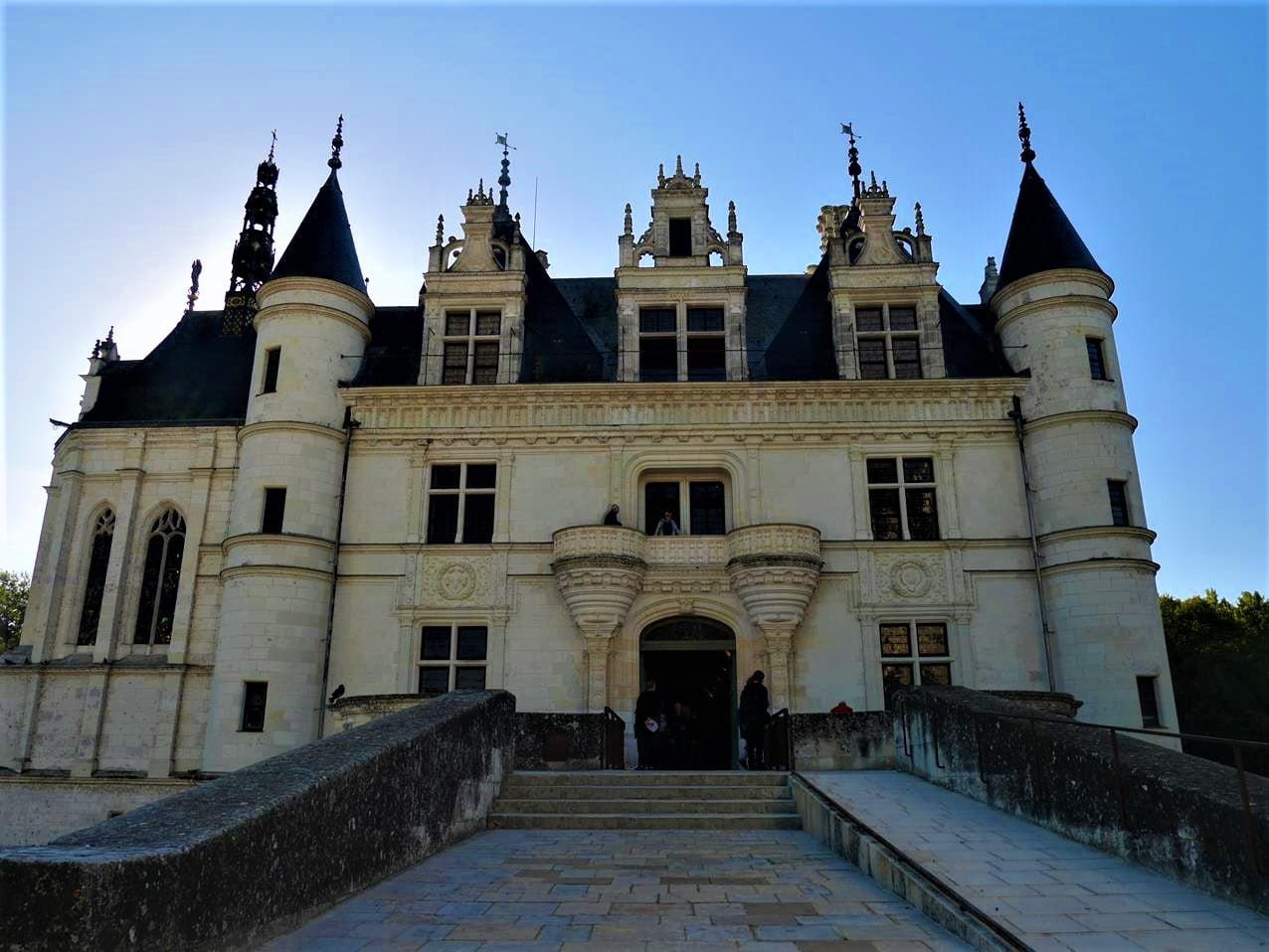 舍農索城堡正門
