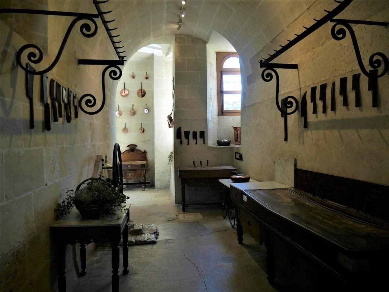 舍農索城堡廚房