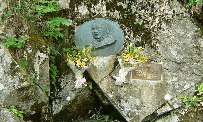 上高地Walter Weston紀念碑