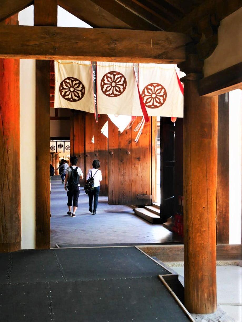 法隆寺大講堂入口