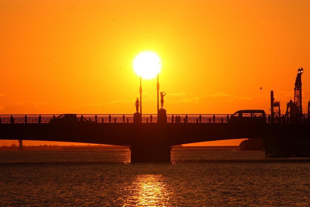 釧路幣舞橋夕陽