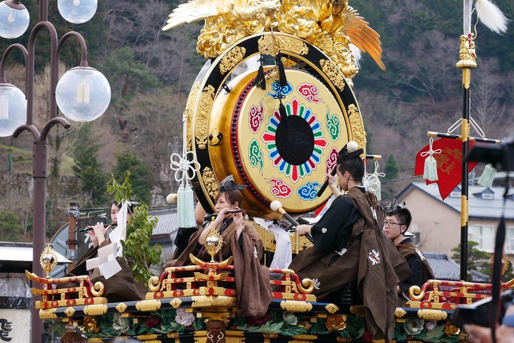 春之高山祭神樂台