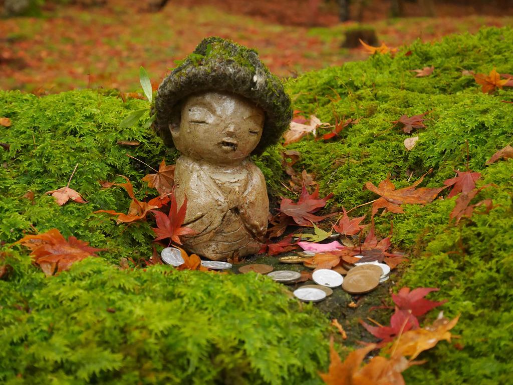 京都大原三千院小童地藏