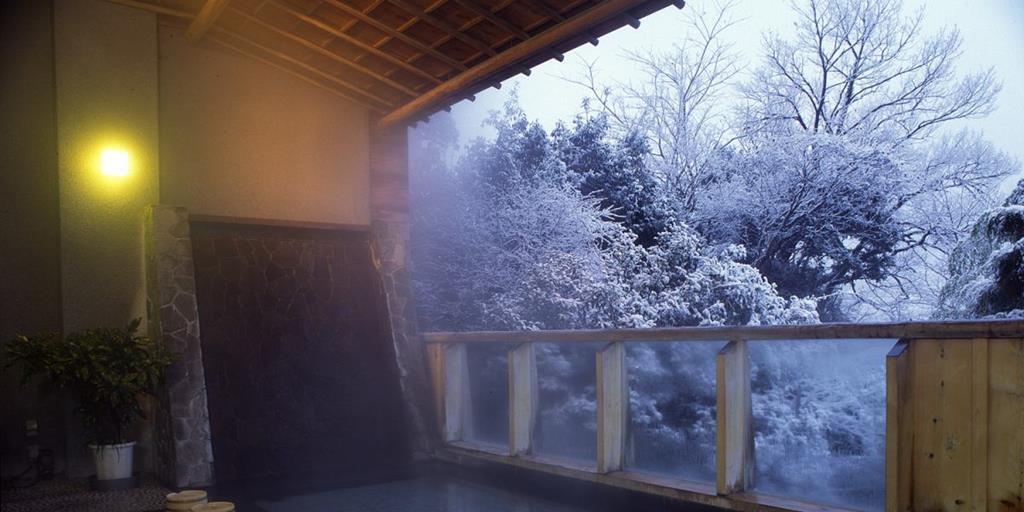 山形屋露天風呂冬景