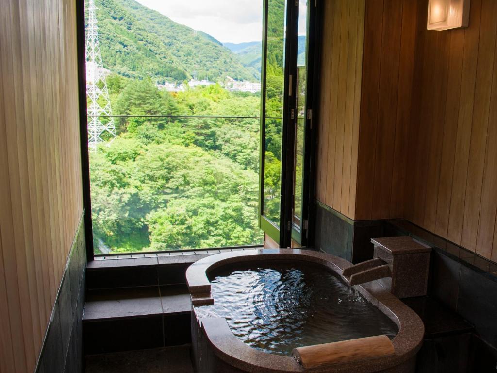 鬼怒川金谷飯店和洋室套房景觀風呂