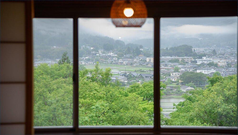 由布院夢想園本館和室窗景