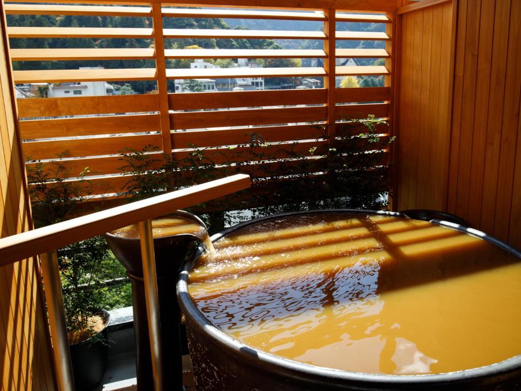 有馬溫泉中之坊瑞苑現代風房附露天風呂