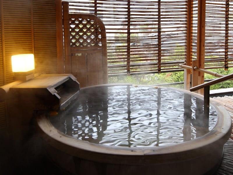 有馬溫泉中之坊瑞苑和室附銀泉露天風呂