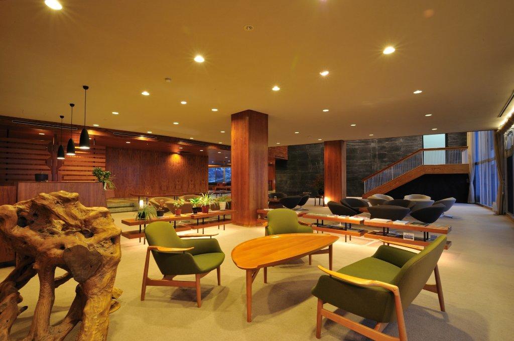 黑川溫泉瀨之本高原飯店大廳