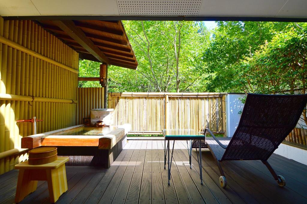 黑川溫泉奧之湯旅館新館和洋室露天風呂