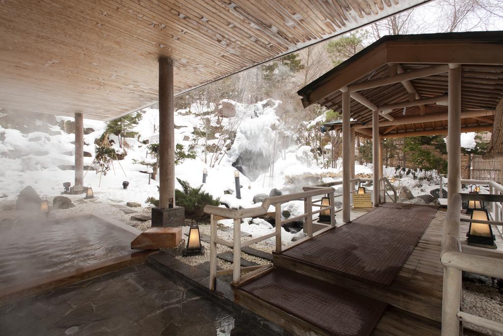 登別Grand Hotel庭園露天風呂雪景