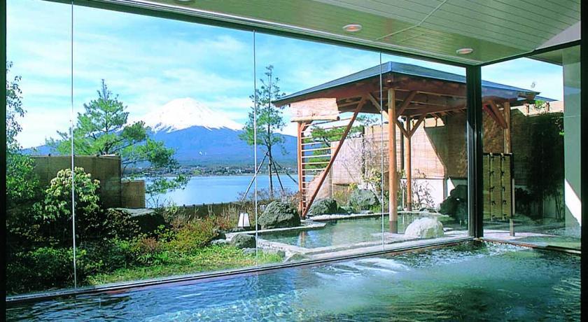 河口湖湖月飯店大浴場