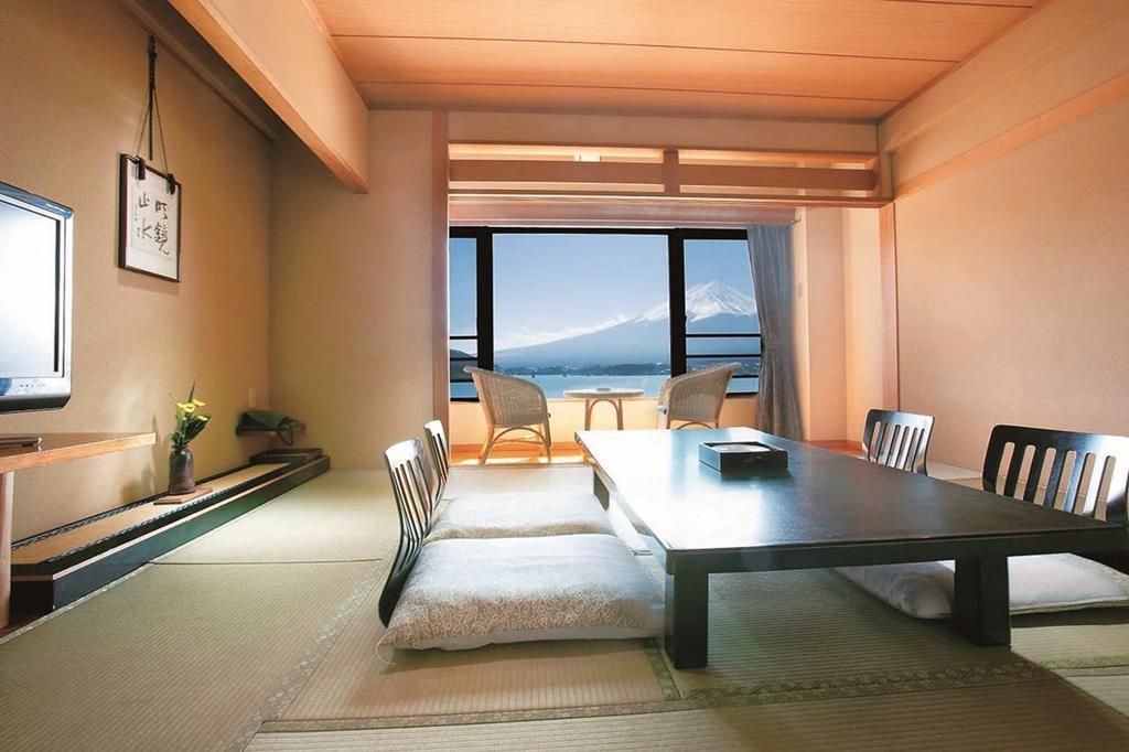 河口湖湖月飯店一般和室
