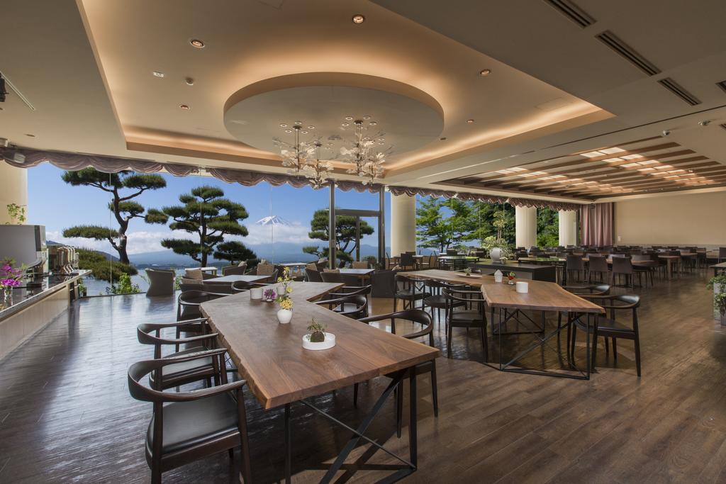河口湖湖月飯店餐廳