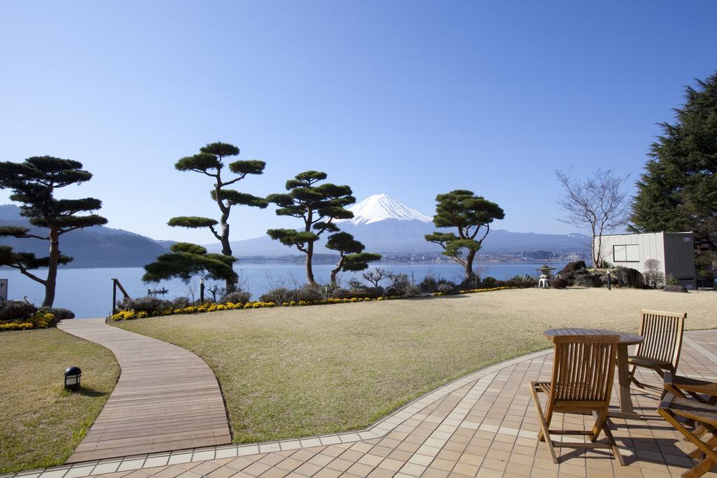 河口湖湖月飯店室外庭園