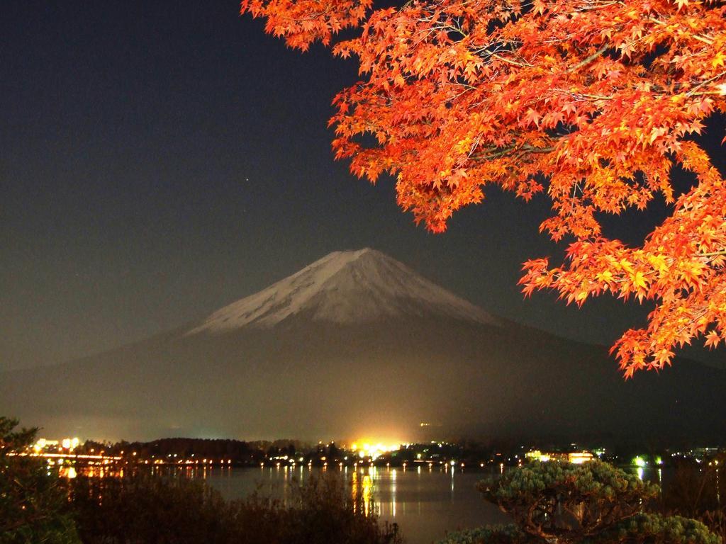 富士河口湖飯店湖月前景色