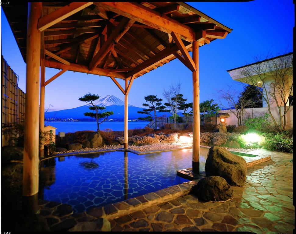 河口湖湖月飯店露天風呂