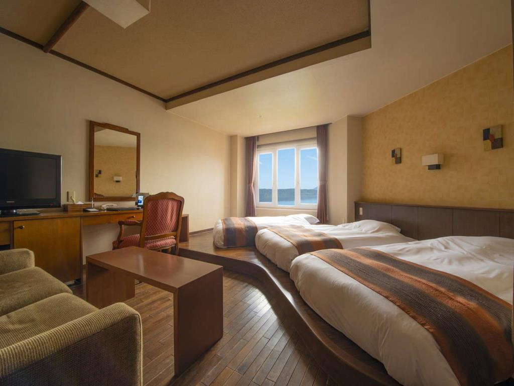 洞爺湖萬世閣飯店湖景3床房