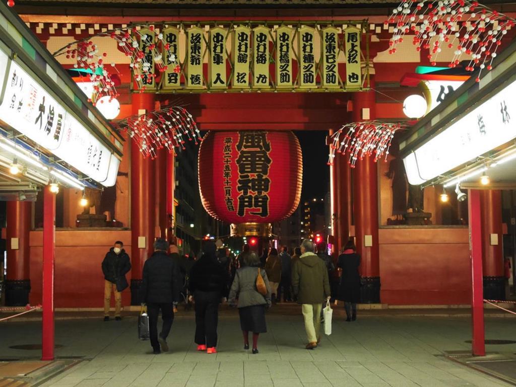 東京淺草寺夜晚