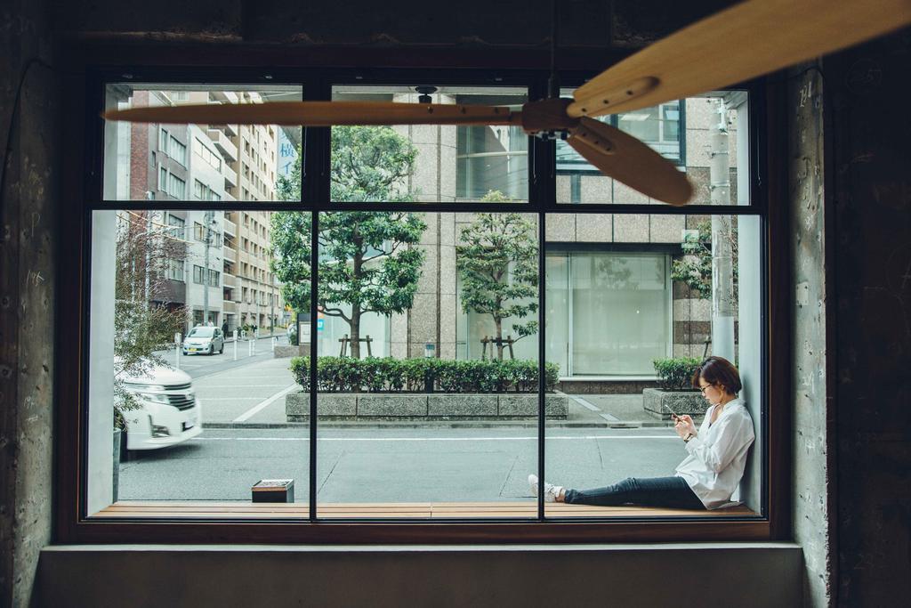 東京青年旅館CITAN Hostel大廳窗景