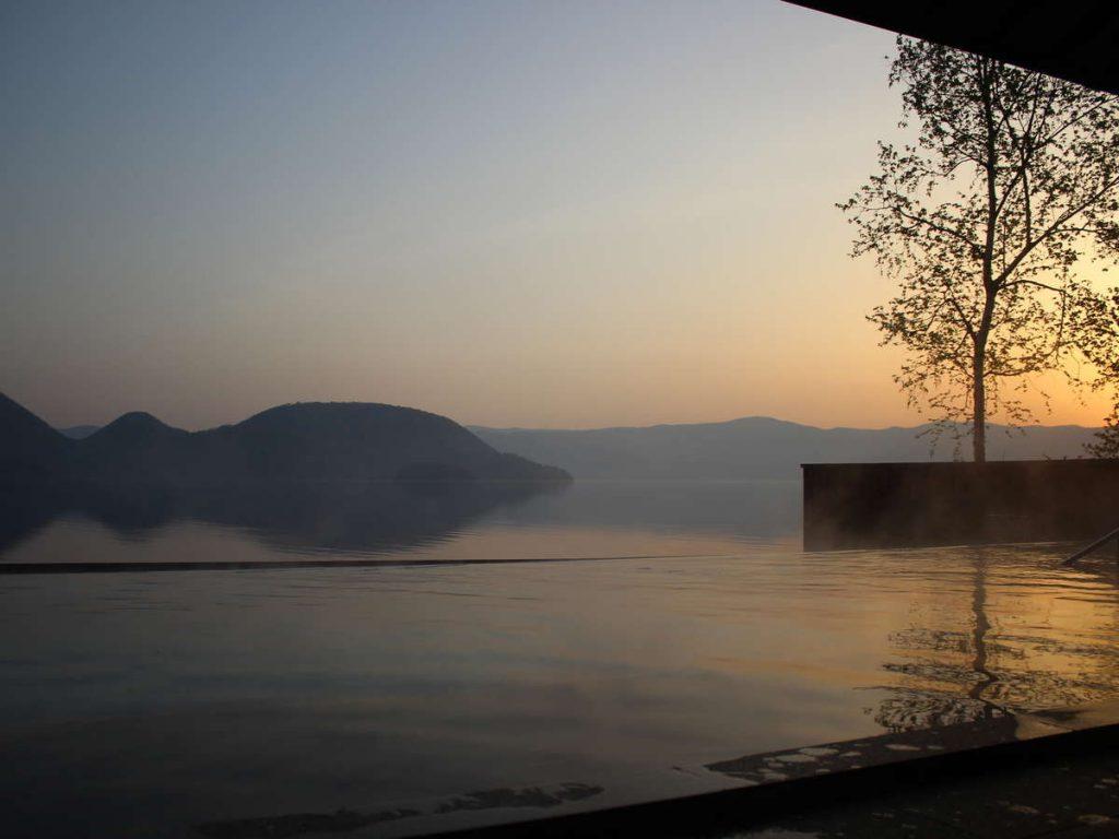 洞爺湖Sun Palace飯店露天風呂夕陽景