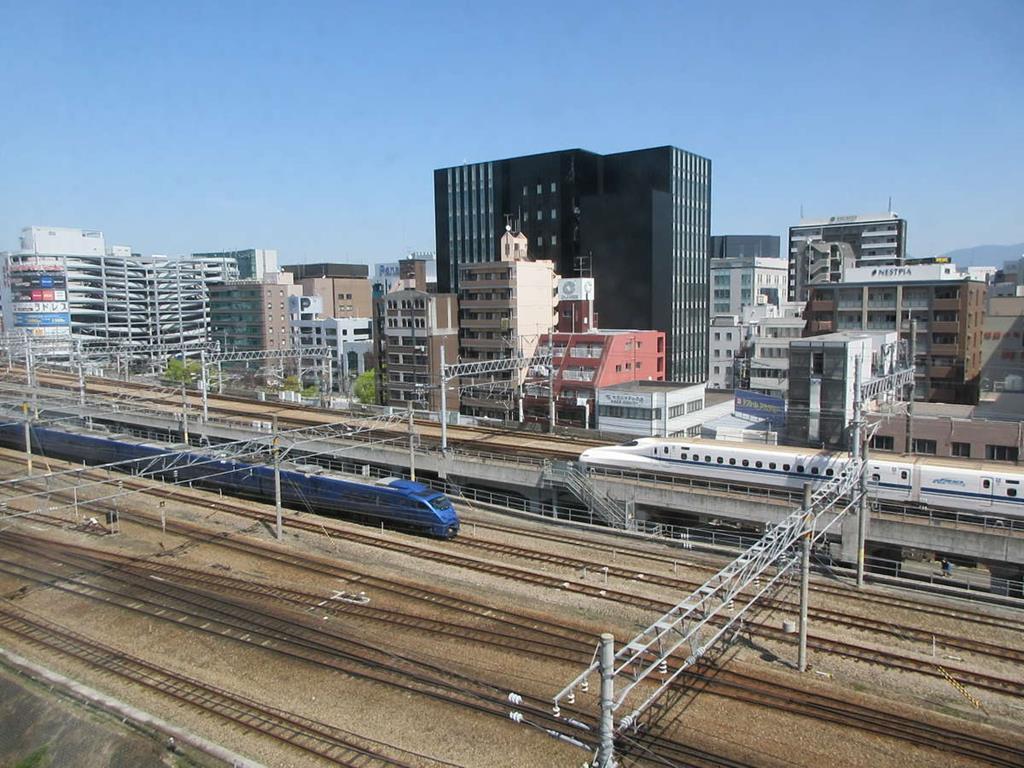 福岡住宿博多靜鐵飯店鐵道窗景