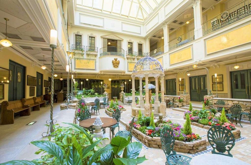 札幌Monterey飯店大廳室內庭園