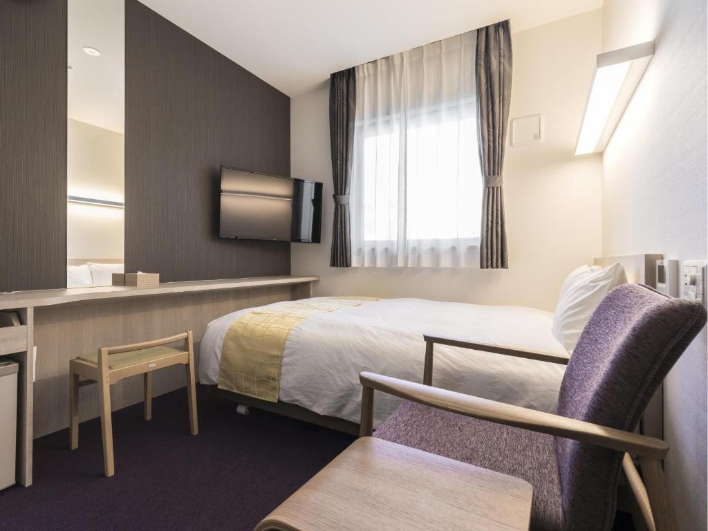 博多Hotel Wing新幹線口店雙人床房