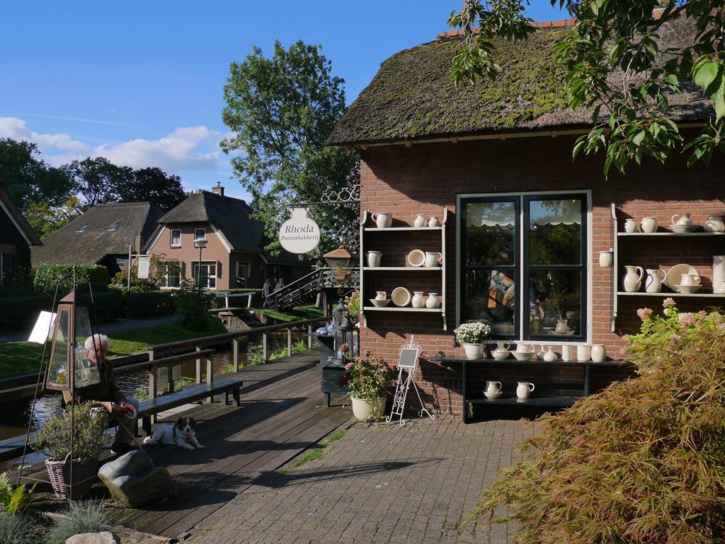 荷蘭羊角村藝術品店