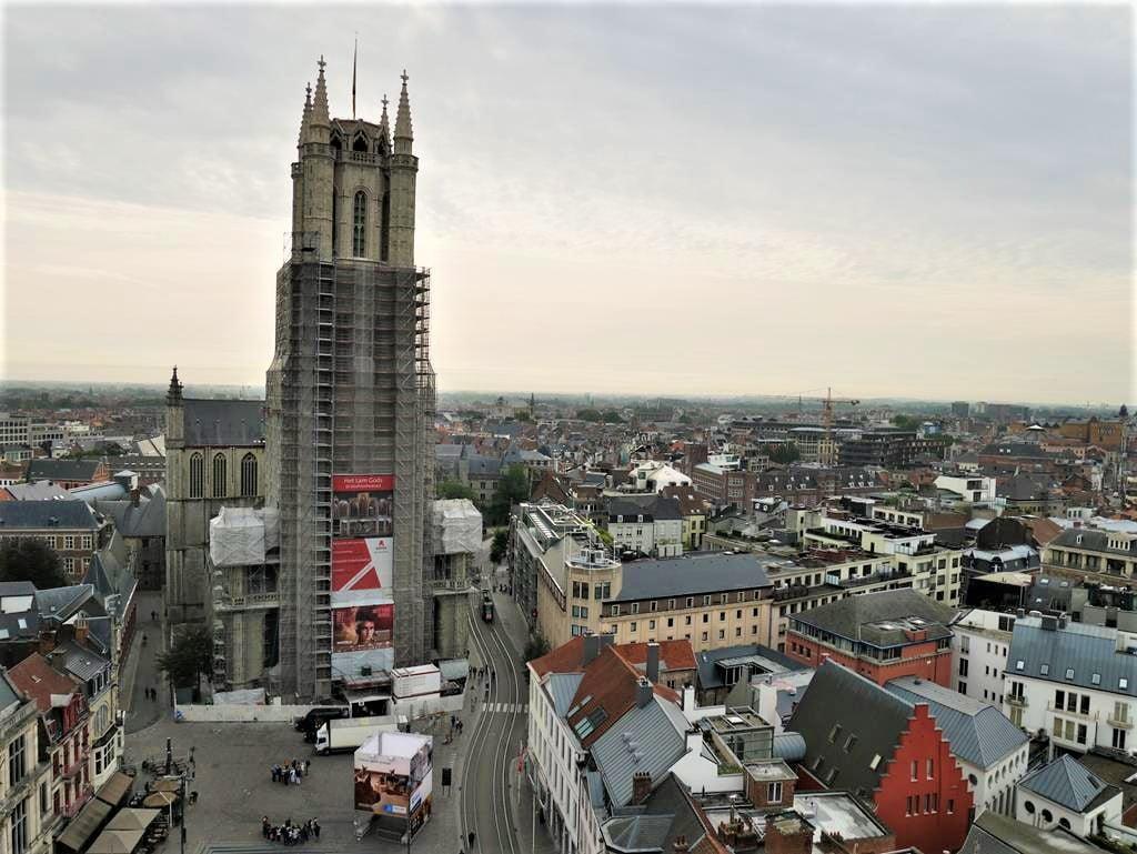 根特鐘樓眺望聖巴夫主教教堂方向