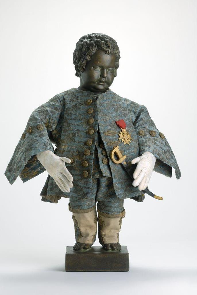 法王路易15贈與尿尿小童服裝
