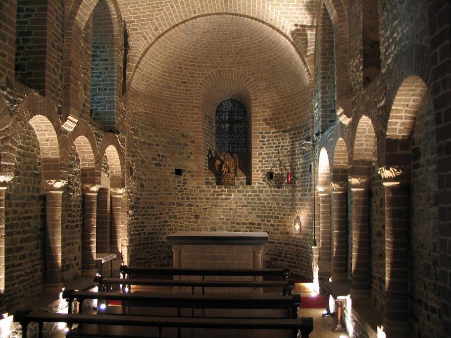 聖血聖殿下方羅馬式教堂