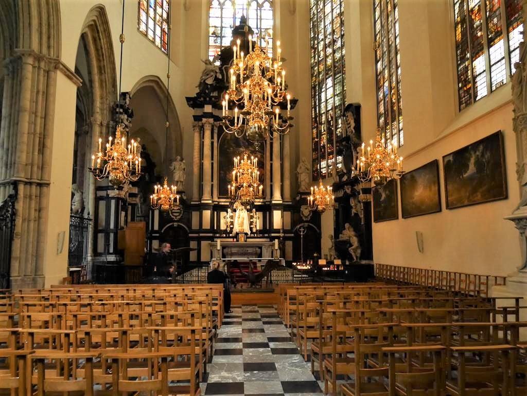 聖米歇爾聖古都勒主教座堂內部