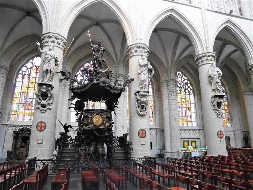 聖米歇爾聖古都勒主教座堂