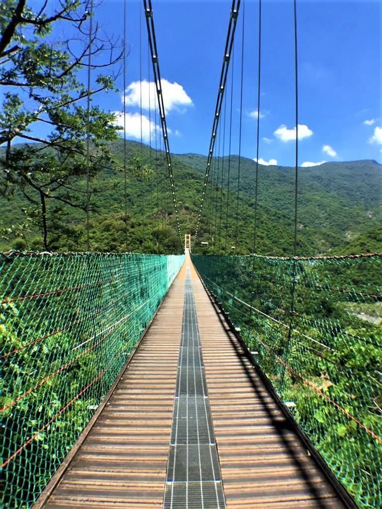 茂林風景區景點多納高吊橋