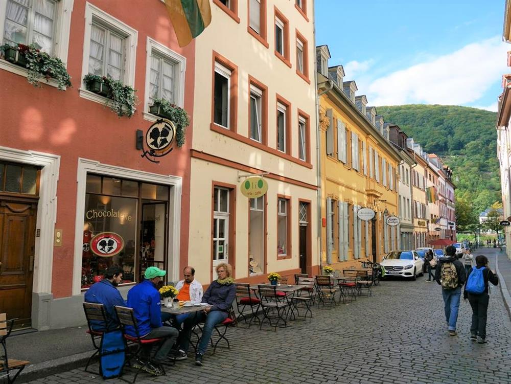 老城區內的海德堡之吻巧克力店