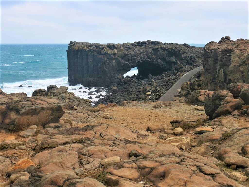 澎湖景點鯨魚洞