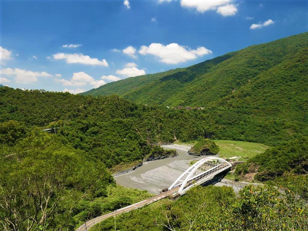 茂林風景區景點龍頭山