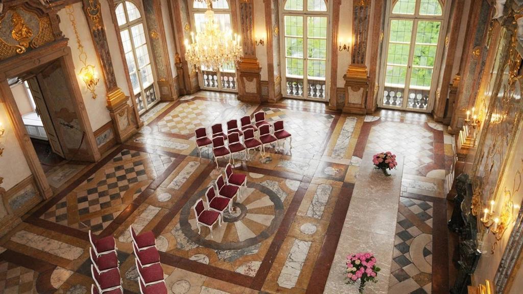 米拉貝爾宮Marble Hall