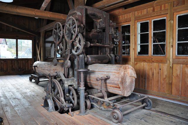 席爾塔博物館木材切割器
