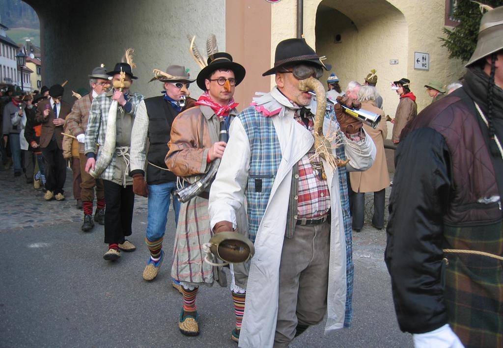 沃爾法狂歡節Nasenzug遊行隊伍
