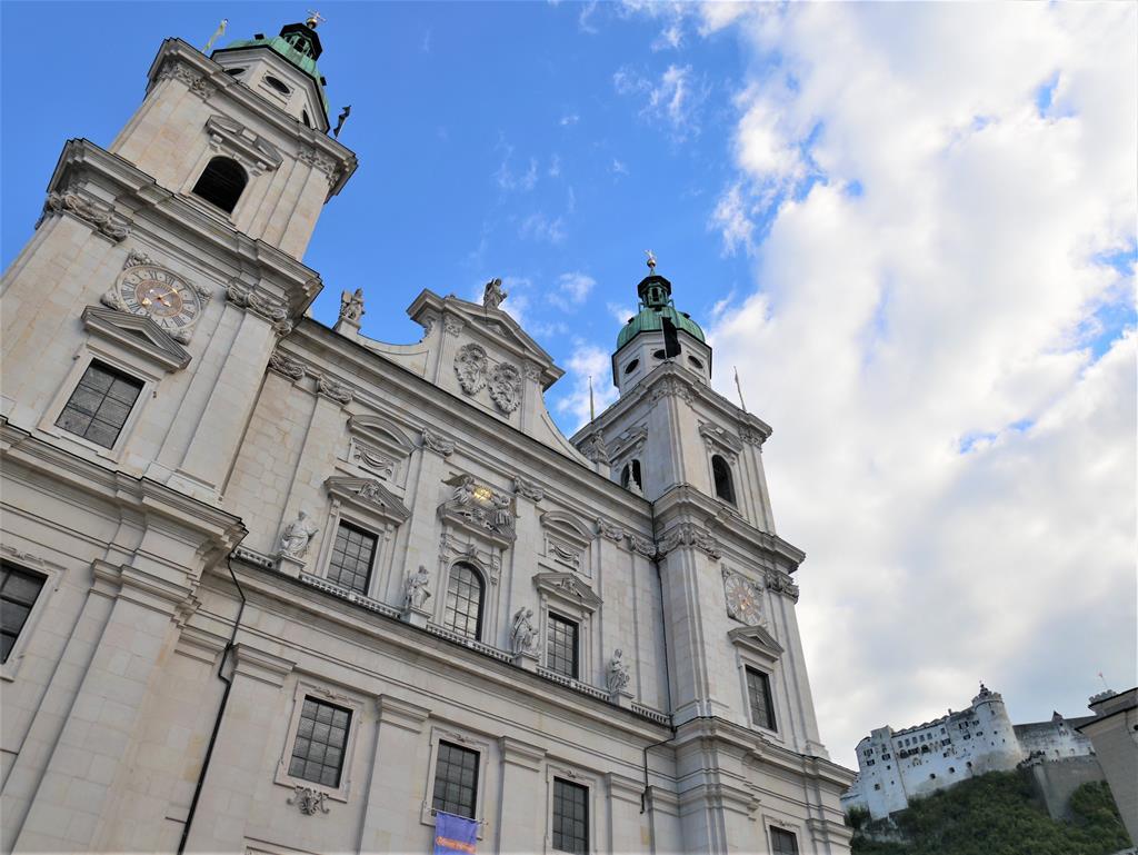 薩爾斯堡主教座堂正門