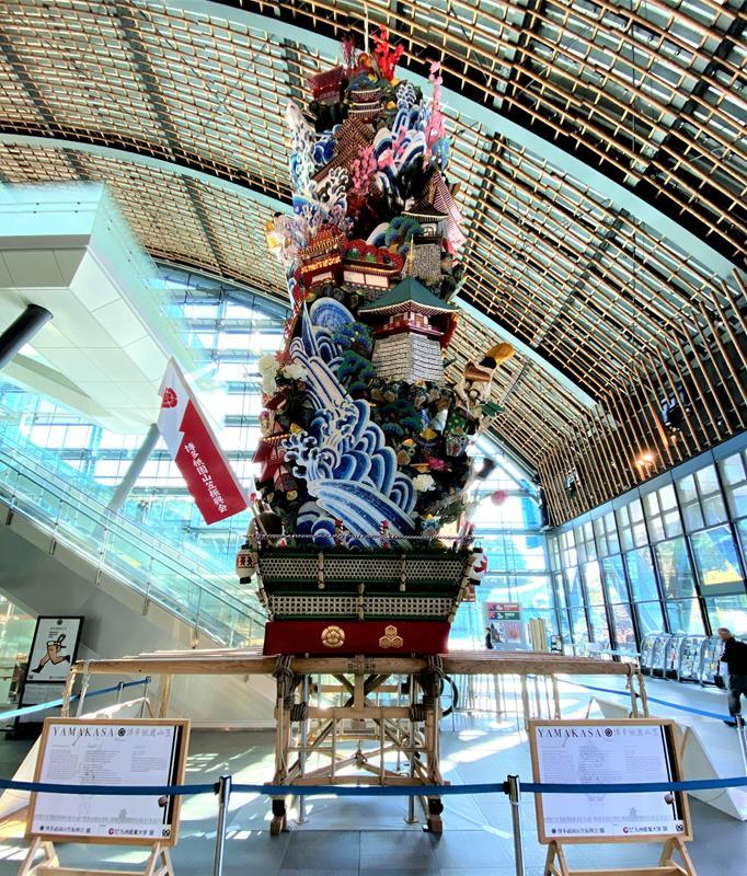 當時一樓展場正在展示博多祇園山笠祭(Yamakasa)