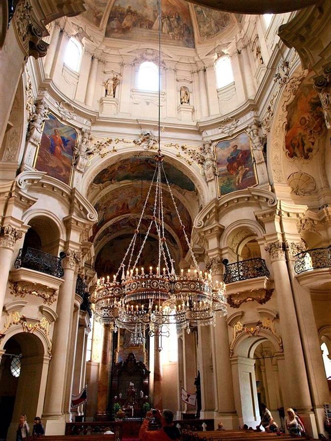 舊城區聖尼可拉斯教堂水晶吊燈