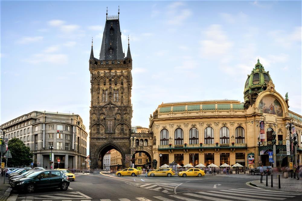 布拉格火藥塔
