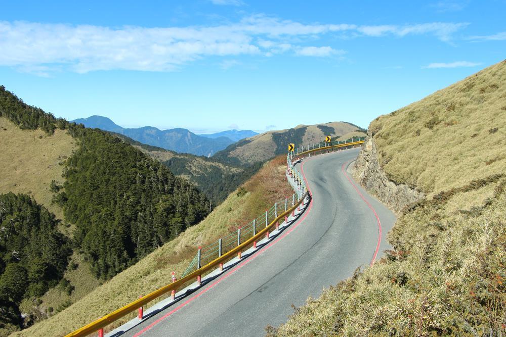 石門山步道西側景色