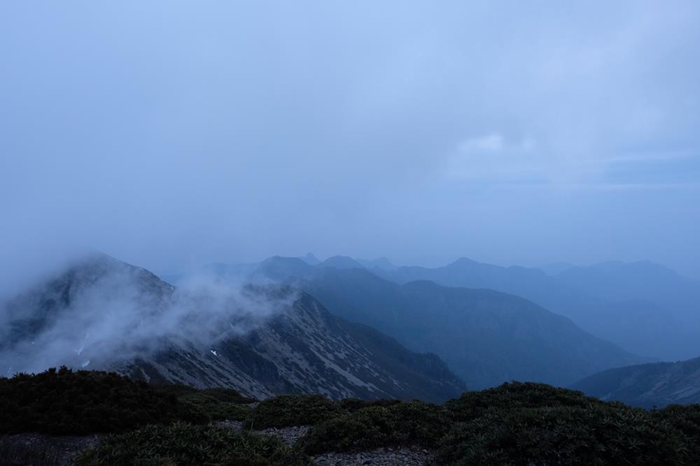 在山頂欣賞看不見的風景