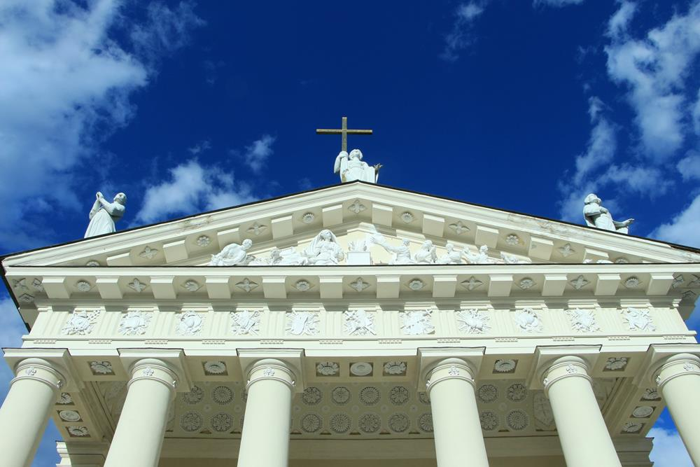 維爾紐斯主教座堂正面山牆