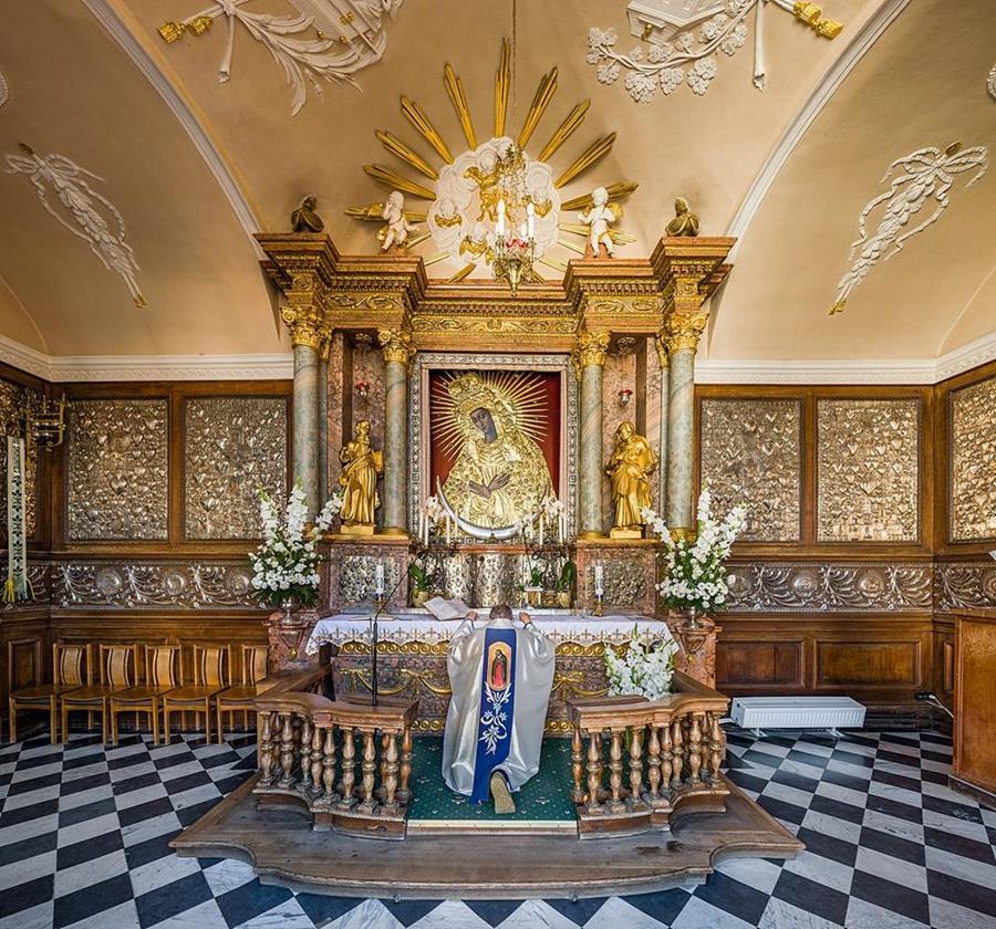 黎明之門教堂聖母像