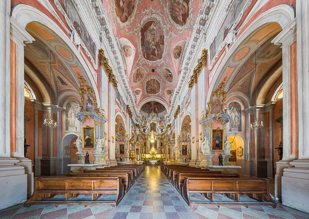 聖泰麗莎教堂內部